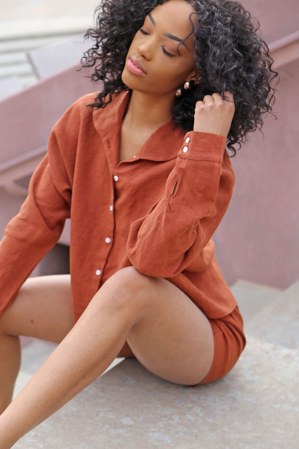A Closer Look: Short Shorts & Collared Button-Up Top