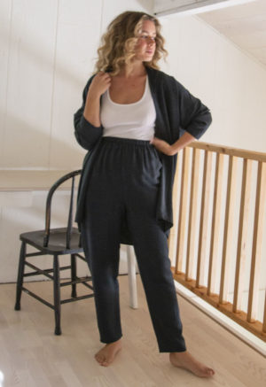 Front view of straight size model wearing Easy Tapered Pant in Liquorice Lyocell.